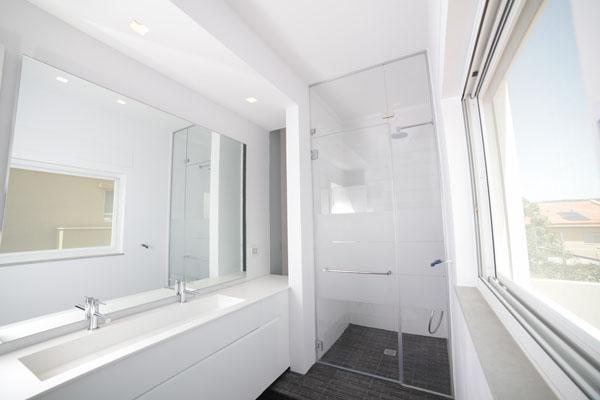 פרויקט מקלחון זכוכית