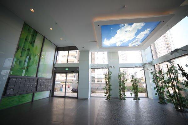 פרויקט חיפויי קיר מזכוכית