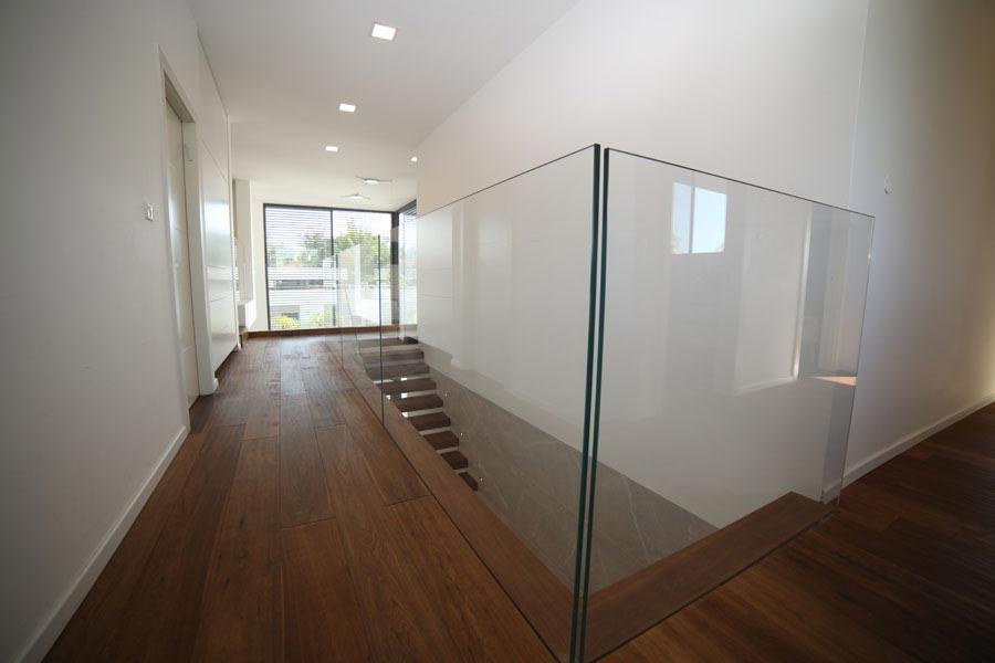 פרויקט מעקות זכוכית 1