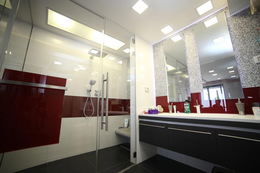 עיצוב דלת זכוכית למקלחת 2