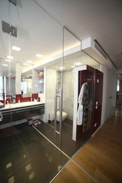דלת זכוכית לחדר רחצה