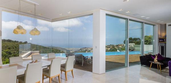 דלתות זכוכית בהתאמה אישית