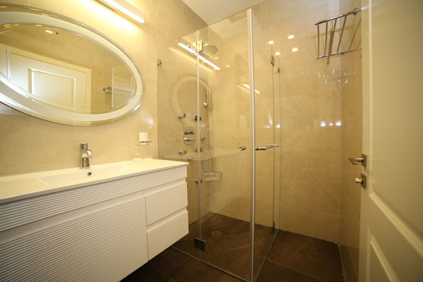 מקלחת זכוכית מעוצבת