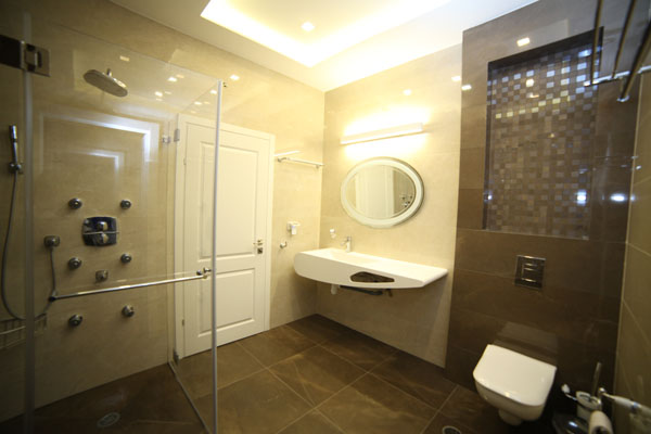 מקלחות זכוכית