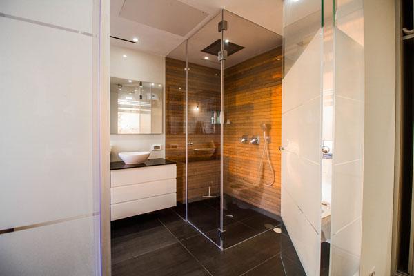 מקלחוני זכוכית מעוצבים
