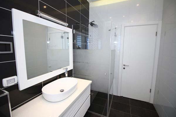 מקלחון זכוכית מעוצב